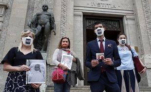 Des familles italiennes victimes de la pandémie de Covid-19 vont porter plainte contre l'Etat.