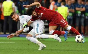 Salah s'est blessé sur cette action face à Ramos.