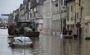 Le centre-ville de Nemours a été enseveli par les eaux