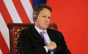 Le secrétaire américain au Trésor Timothy Geithner a appelé jeudi la Chine à laisser sa monnaie s'apprécier davantage et à mettre en oeuvre des réformes économiques essentielles à ses yeux pour combattre le ralentissement de la croissance économique mondiale.