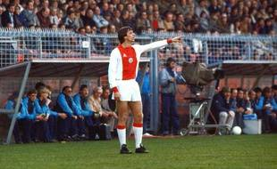 Johan Cruyff lors d'un match de l'Ajax Amsterdam le 4 avril 1982.