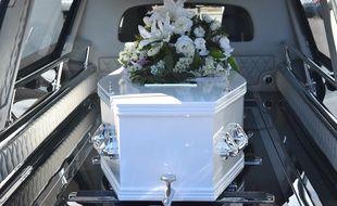 Les fleurs et ornements représentent un coût important sur la facture des obsèques