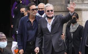 Anthony Delon et son père Alain Delon aux funérailles de Jean-Paul Belmondo.