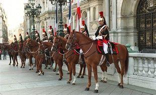 illustration des cavaliers de la Garde républicaine.