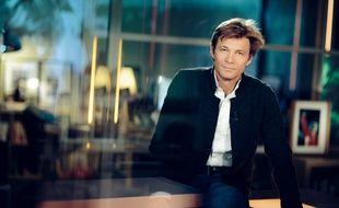 Laurent Delahousse dans l'émission «Un jour un destin», produite par Magneto Presse.