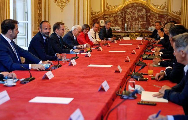 Municipales: Le second tour en juin ou janvier2021 au plus tard, dit Philippe aux partis