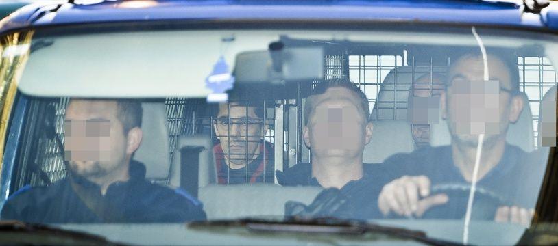 Michel Lelievre arrivant pour l'audition de la cour d'appel concernant sa détention le 9 décembre 2013 au palais de justice de Bruxelles.