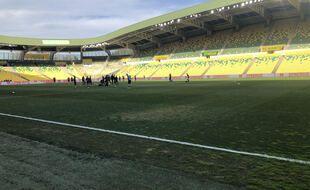 La pelouse juste avant le match FCN-OM.