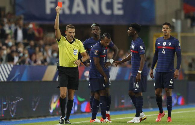 Jules Koundé expulsé pour un tacle pas du tout maîtrisé lors de France-Bosnie.