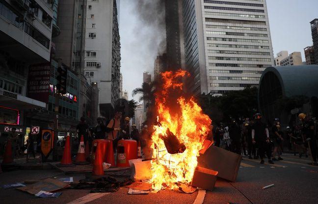 Hong Kong : Nouveau dimanche de violence entre manifestants et forces de l'ordre