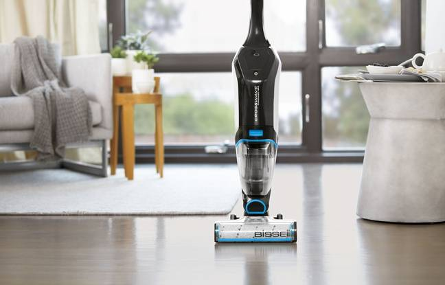 Le CrossWave Cordless Max tient en station vertical automatiquement.