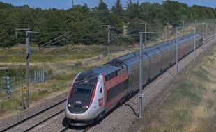 Un TGV circulant à proximité de Misy sur Yonne, le 19 juillet 2020.