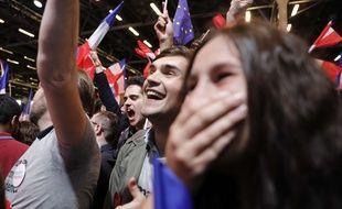 Des soutiens d'Emmanuel Macron au parc des expositions à Paris, le 23 avril 2017.