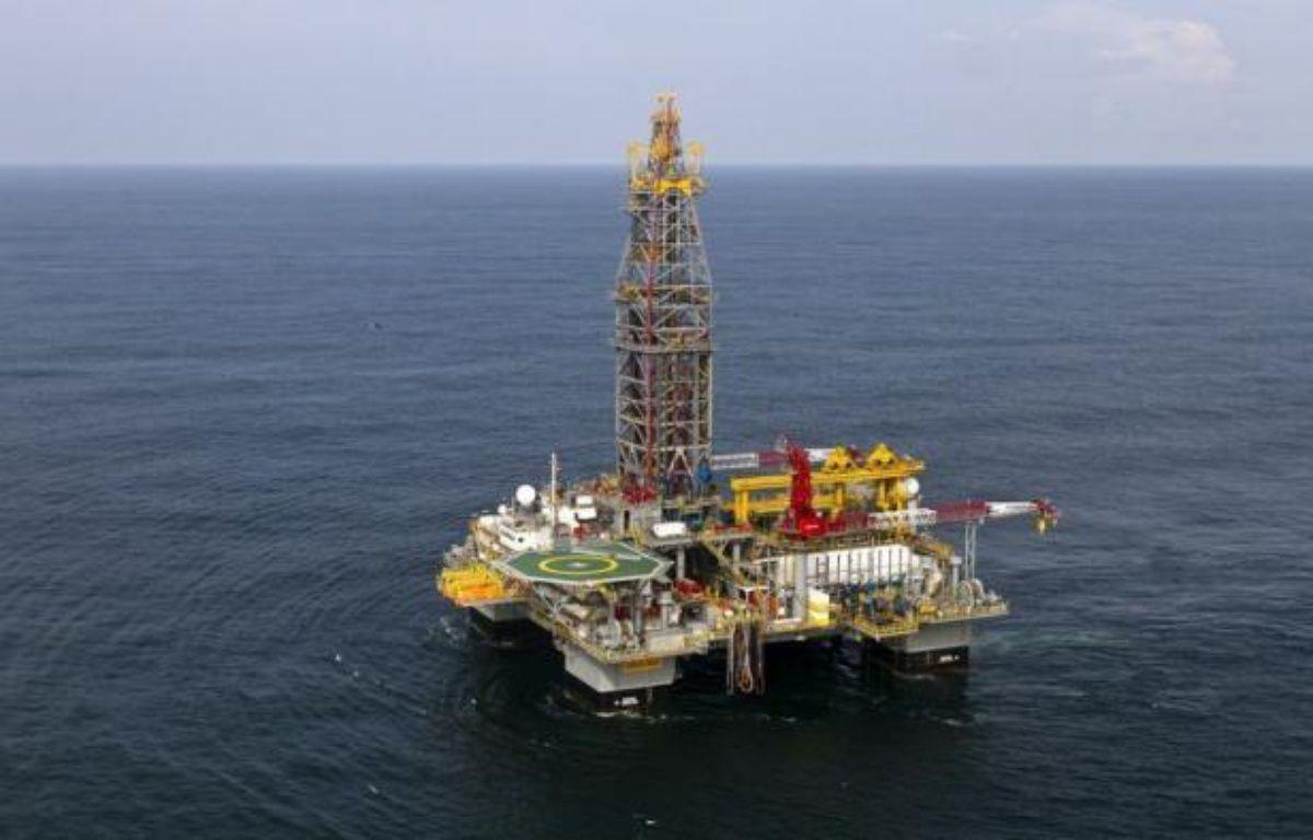 Le pétrole a terminé jeudi sous le seuil de 80 dollars à New York pour la première fois en huit mois, après avoir perdu près du tiers de sa valeur depuis son sommet de mars, dans un contexte d'inquiétude croissante pour la demande et d'une offre toujours plus abondante. – Jody Amiet afp.com