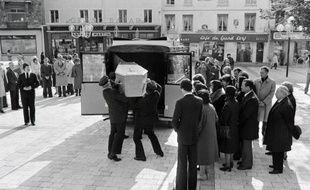 Des familles de victimes de l'attentat à la bombe qui avait fait 4 morts rue Copernic en 1980, se sont réunies mercredi sur les lieux de l'explosion pour témoigner de leur mobilisation avant la décision de la justice canadienne, qui doit statuer sur l'extradition du principal suspect.