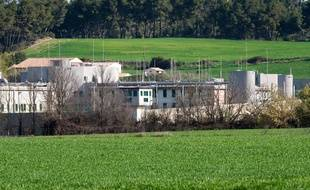 L'homme âgé d'une cinquantaine d'années a été mis en examen et incarcéré à la prison de Luynes.