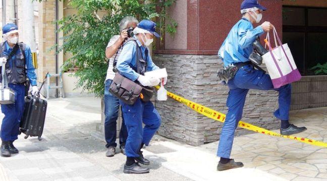 La police scientifique japonaise devant le domicile de la suspecte,  à Sasebo. – NEWSCOM/SIPA