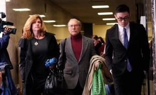 Stan Patz(c), père d'Etan Patz, disparu il y a 35 ans, au tribunal de New York où est jugé le meurtrier présumé de son fils, le 30 janvier 2015