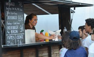 Un food truck installé cet été pendant l'Euro dans la fan-zone place Bellecour à Lyon.