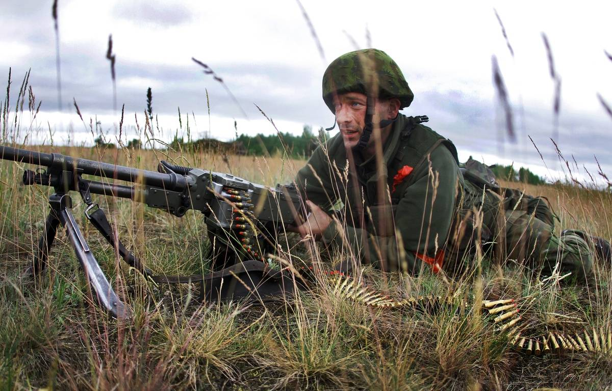 Lituanie, le 14 juin 2014. Un soldat lituanien participe à un exercice militaire. – PETRAS MALUKAS / AFP