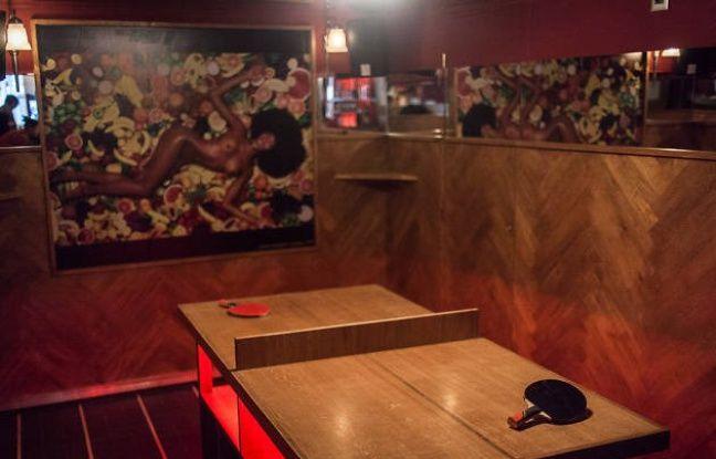 Ambiance tamisée pour Mini Pong, le bar à jeux rétro du IXe arrondissement