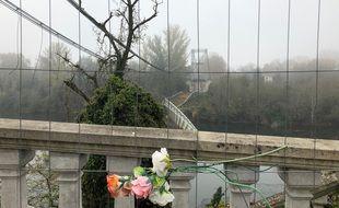 Un an après son effondrement, les vestiges du pont de Mirepoix sur Tarn sont toujours visibles.