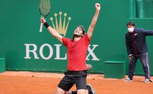 Stefanos Tsitsipas a battu Andrey Rublev en finale à Monte-Carlo dimanche.