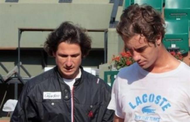 Richard Gasquet, Amélie Mauresmo et Marion Bartoli font leur entrée en lice lundi à Roland-Garros les bagages plein d'incertitudes après plusieurs semaines d'infortunes.