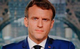 Emmanuel Macron n'a pas renoncé à ses réformes économiques, malgré la situation sanitaire