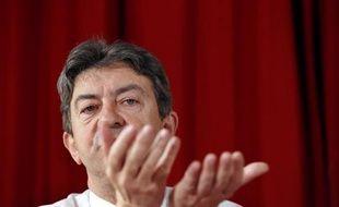 """Jean-Luc Mélenchon en a appelé lundi à la gauche du Parti socialiste, l'exhortant à """"exister"""" de façon autonome et à aider le Front de gauche dans ses combats."""