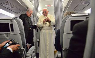 Le 6 juin 2015, le pape François a pris la parole dans l'avion qui le ramenait de Sarajevo à Rome.