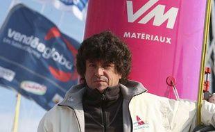 Le skipper français Jean Le Cam a son arrivée aux Sables d'Olonnes à l'issue du Vendée Globe 2008, en janvier 2009.