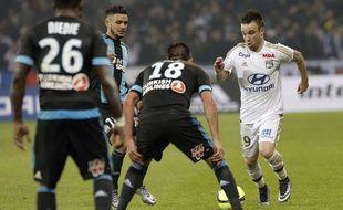 Mathieu Valbuena peut se sentir aussi esseulé sur Twitter que la plupart du temps sur le terrain, comme ici face à Marseille en janvier.