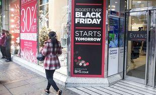 Durant le Black Friday, de nombreux consommateurs vont profiter des rabais pour faire leurs achats de Noël.