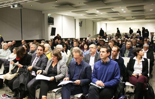 Réunion publique du 14 novembre 2017 sur la présentation du réaménagement des quais, boulevard des Frères Moga à Bordeaux