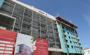 L'Assemblée nationale a voté mardi la première mesure du projet de loi sur le logement, la cession à bas prix, voire gratuite, de terrains de l'Etat, et a discuté de la seconde disposition, l'augmentation de 20% à 25% de la proportion minimale de logements sociaux dans les villes.