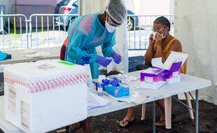Un test PCR en Guadeloupe en septembre 2020.