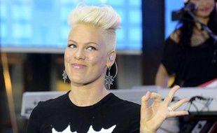 Pink chante à la télévision américaine le 18 septembre 2012.