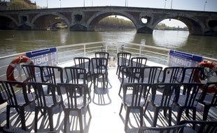 Les croisières sur la Garonne sont soumises à des règles que les professionnels juent trop contraignantes.
