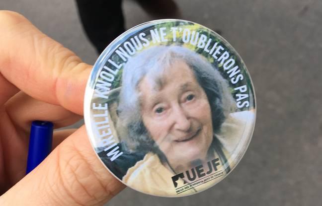 Un badge distribué par les membres de l'UEJF