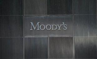 Le logo de l'agence de notation financière Moody's au siège à New York