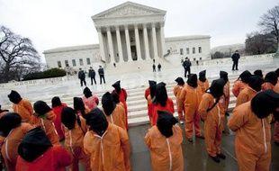Le juge militaire de Guantanamo a ordonné que les témoignages des accusés du 11-Septembre sur les abus qu'ils ont subis pendant leur détention secrète, soient gardés secrets et débattus à huis clos, en l'absence des médias et du public.