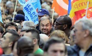 """Après des rapports houleux et, pour finir, un conflit ouvert avec Nicolas Sarkozy, les syndicats attendent du président de gauche François Hollande qu'il ouvre une ère de dialogue social """"apaisé"""" et """"normal"""", la CFDT proposant une rencontre rapide pour en établir la méthode."""