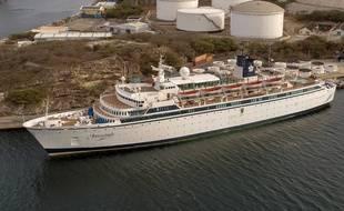 Le navire Freewinds a jeté l'ancre à Willemstad, Curacao, le 4 mai 2019.