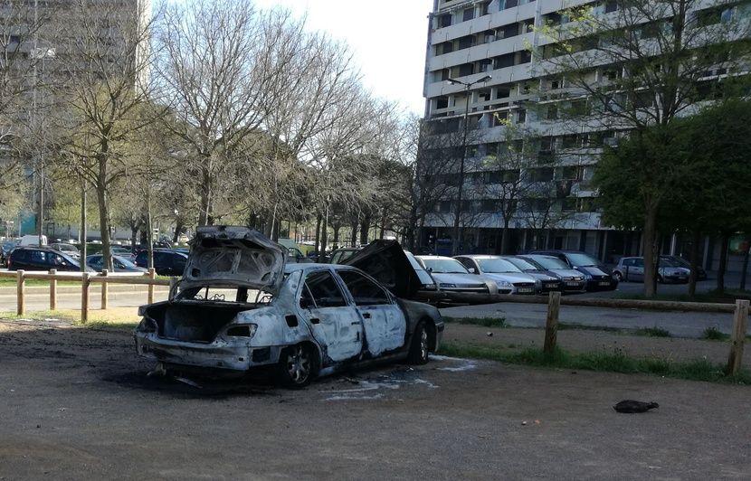 violences urbaines à toulouse: une quatrième nuit plus calme mais 15