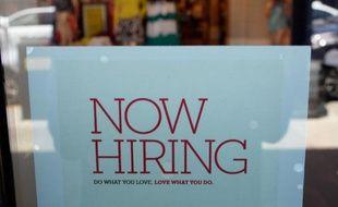 Les nouvelles inscriptions au chômage aux Etats-Unis ont reculé pendant la troisième semaine de juin conformément aux prévisions des analystes, selon des chiffres publiés jeudi à Washington par le département du Travail.