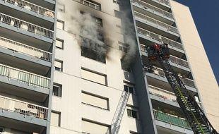 Un incendie s'est déclaré mardi 18 septembre dans un immeuble du Blosne, à Rennes.