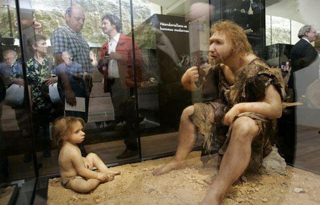 Exposition sur l'homme de Néandertal, en juillet 2004, à Eyzies-de-Tayac.