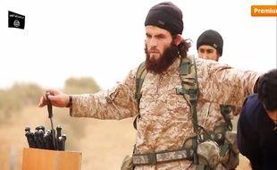 La vidéo publiée ce dimanche met en scène à l'extrême des décapitations de soldats syriens et d'un travailleur humanitaire américain. Ces exécutions ont été revendiquées par le groupe Etat islamique.