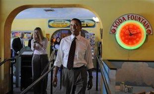 Barack Obama est crédité de cinq points d'avance (48% contre 43%) selon un sondage New York Times/CBS News et de quatre points d'avance (49% contre 45%) selon un sondage de l'université Quinnipiac.